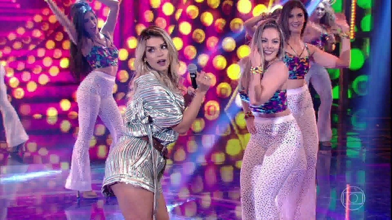 Babado Novo canta 'Molinha'