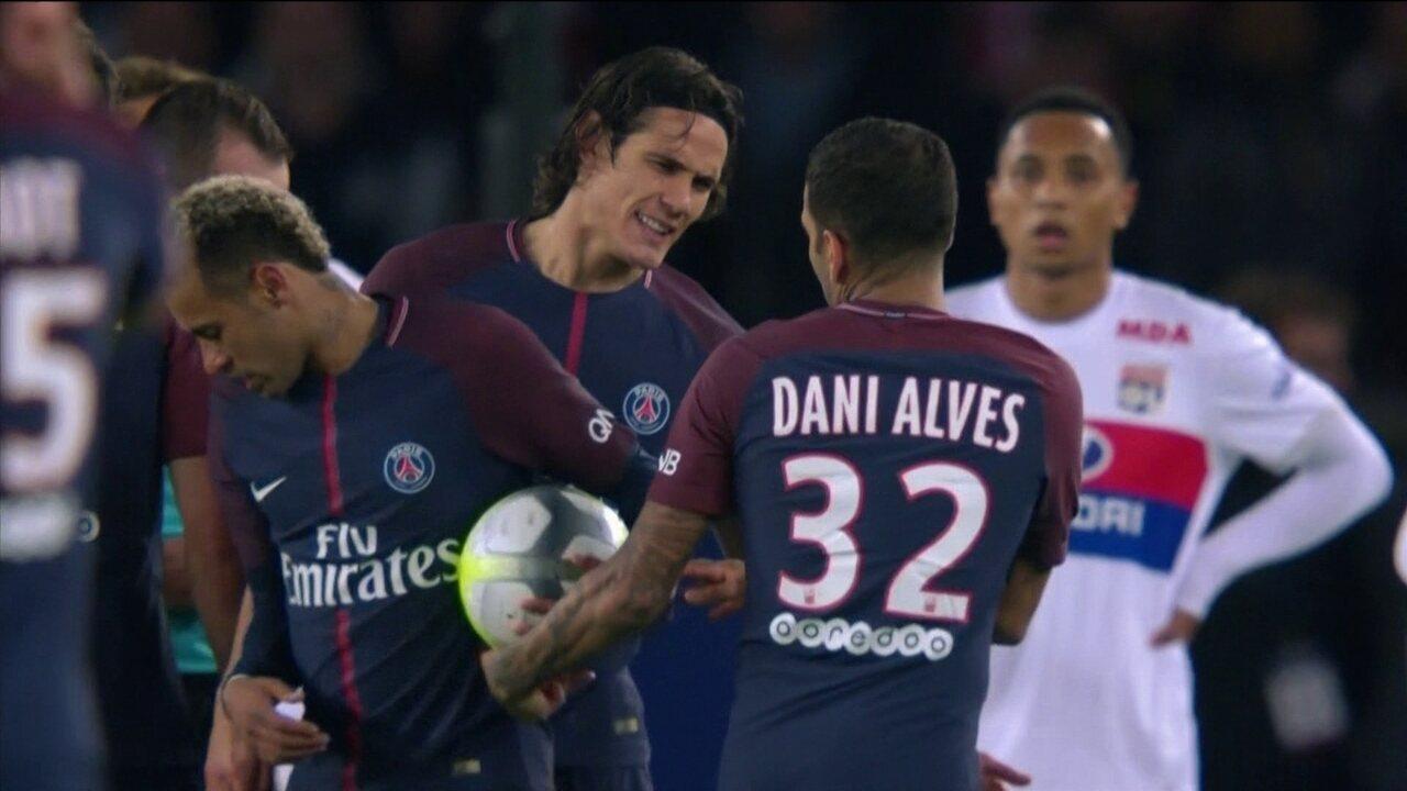 PSG vence o Lyon em partida com polêmica entre Neymar e Cavani por pênalti