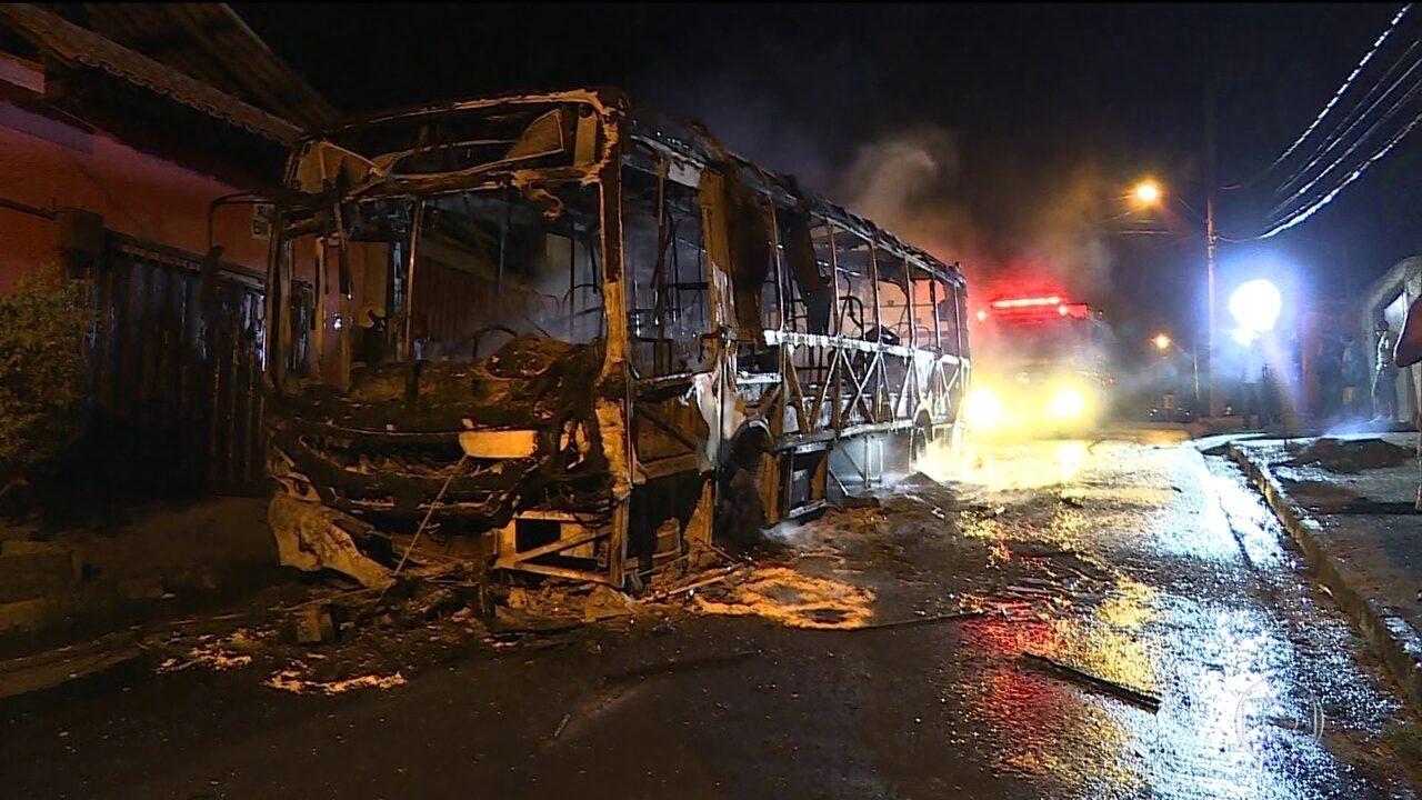 Número de ônibus queimados no país em 2017 já supera o de 2016