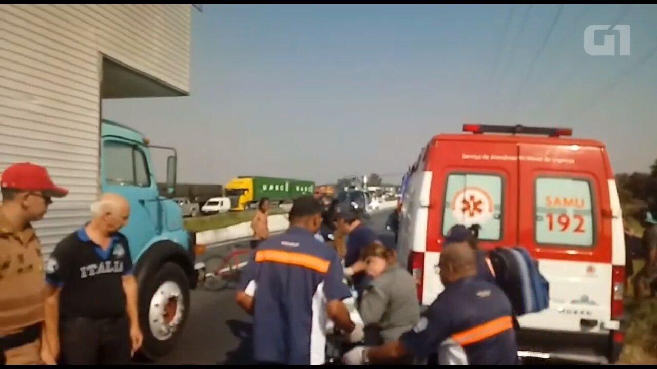 Mulher fica ferida em acidente na BR-376 e é resgatada de helicóptero