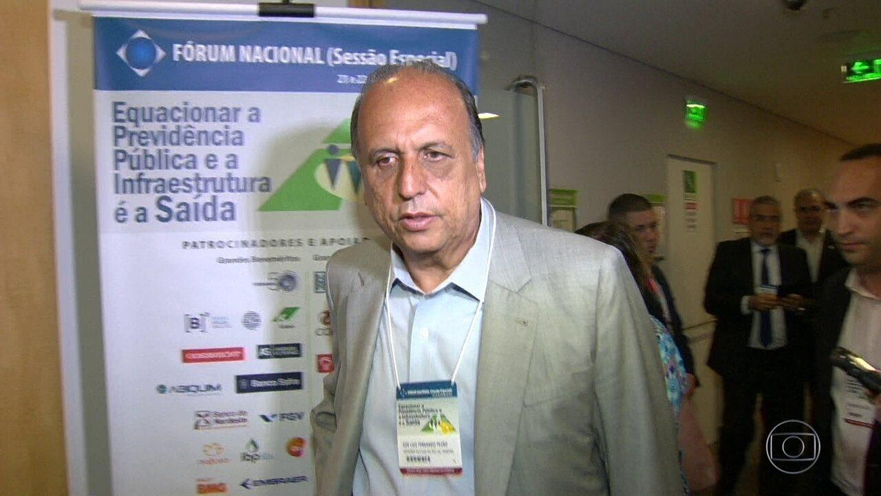 Luiz Fernando Pezão só se pronunciou após seis horas de tiroteio na Rocinha