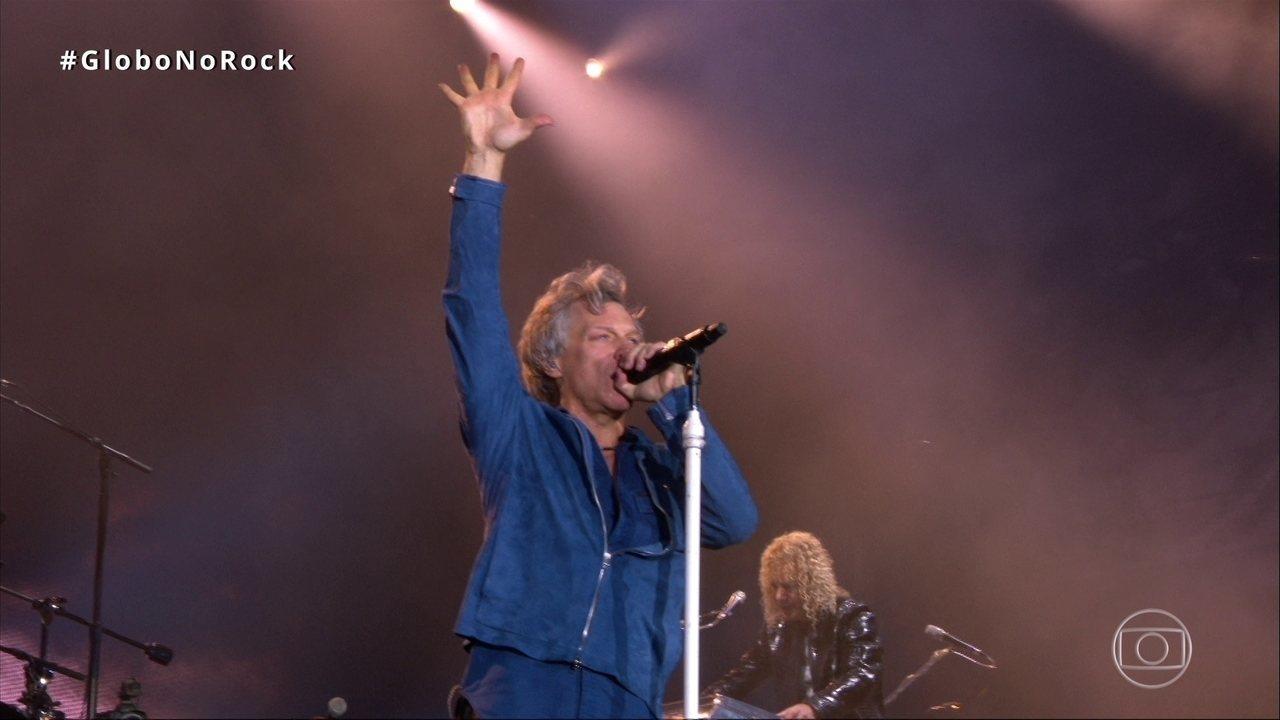 "Bon Jovi abre o show com ""This House is Not For Sale"""