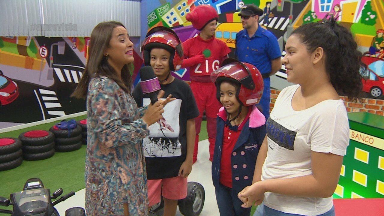 Parte 3: Ruthiene Bindá surpreende e visita fãs do programa