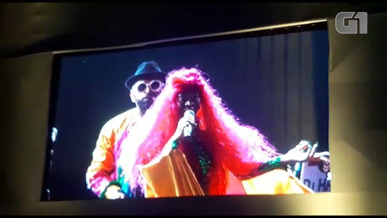 Karol Conka faz discurso contra homofobia e machismo em show no Rock In Rio