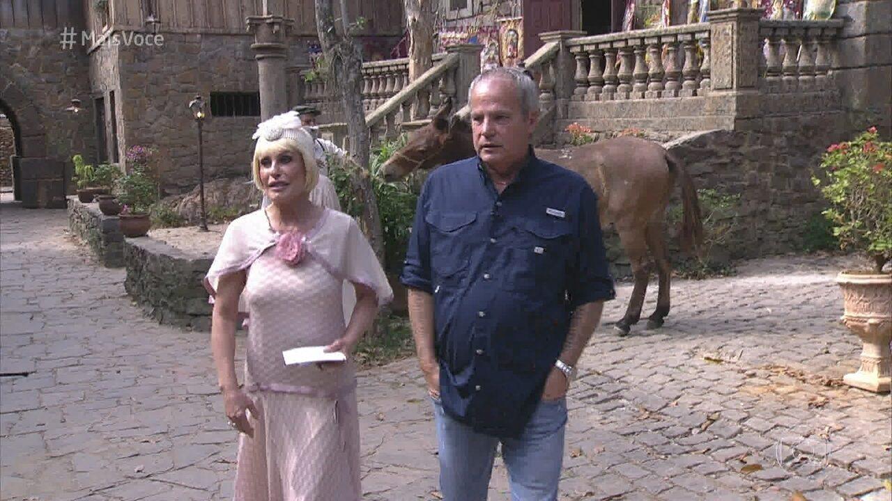 Ana Maria e Jayme Monjardim passeiam por Morros Verdes, aldeia de 'Tempo de Amar'