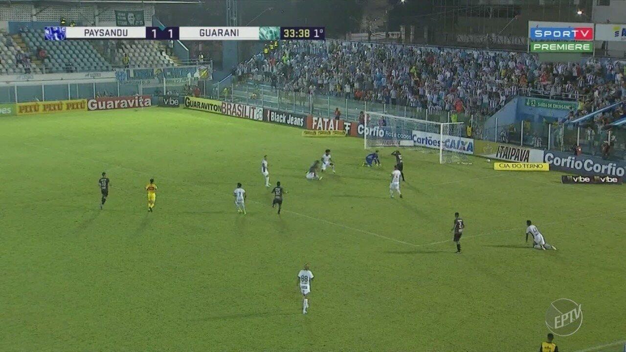 Com um jogador a menos, Guarani cede à pressão e perde para o Paysandu pela Série B