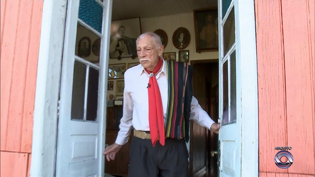 Morre músico tradicionalista Adelar Bertussi
