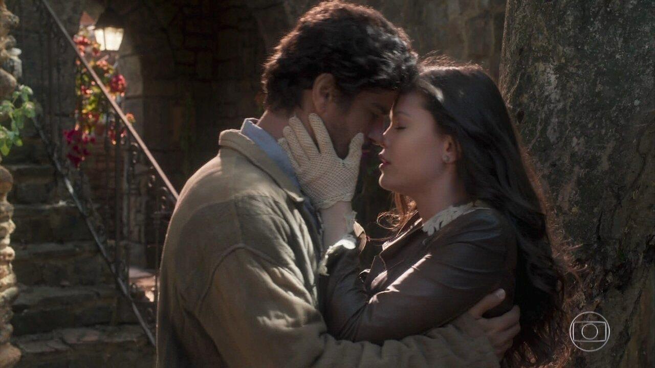 Inácio e Maria Vitória se despedem