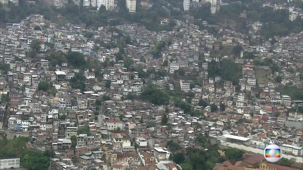 Operação mobiliza polícia e Forças Armadas no Morro dos Macacos, no Rio