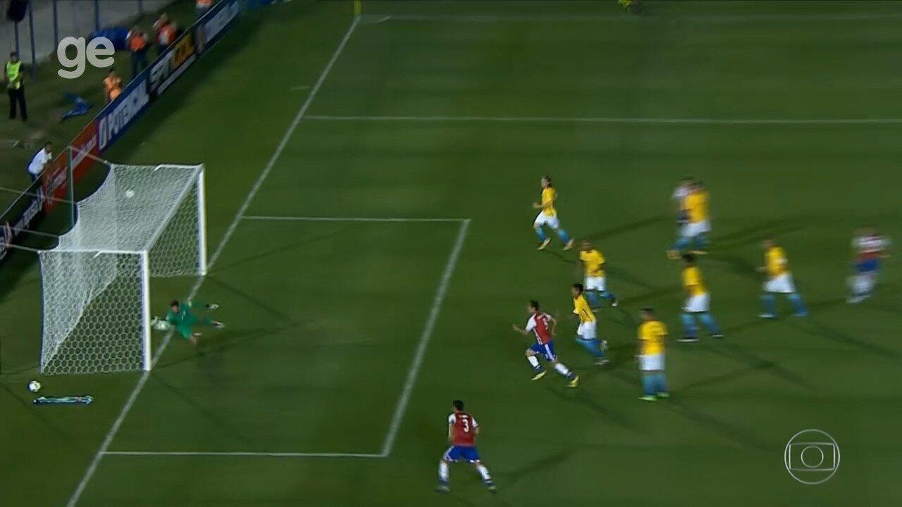 Confira o top 5 de defesas do goleiro Alisson pela Seleção