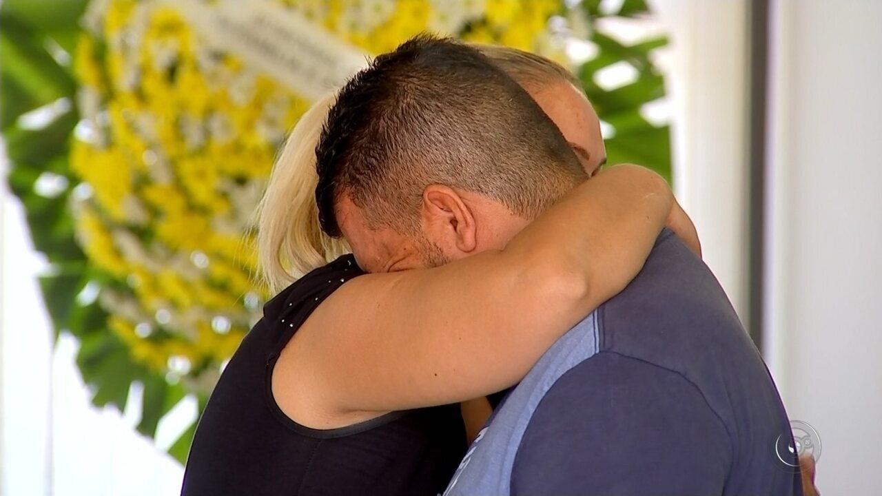 Duas vítimas de queda de avião são veladas em Rio Preto