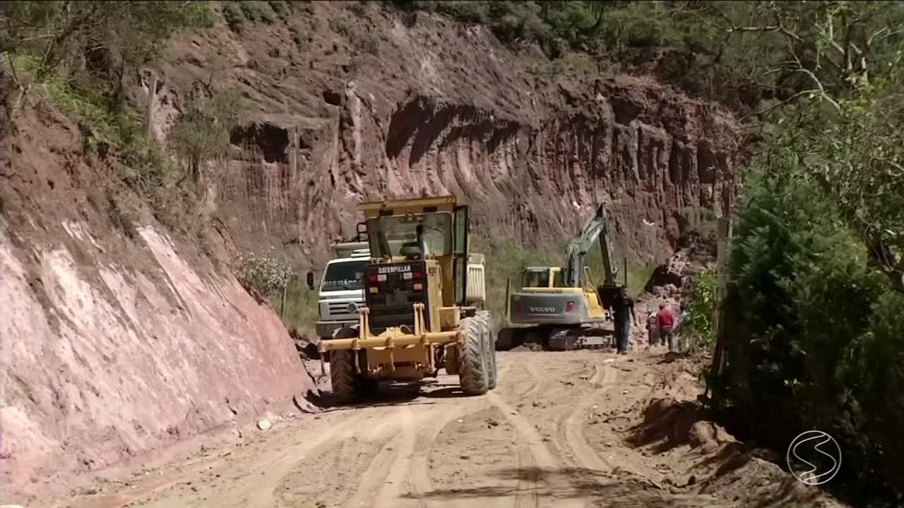 Caixas secas prometem melhorar condições das estradas em Paty do Alferes, RJ