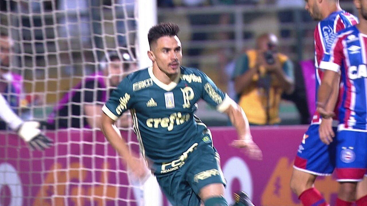 acf27f9de5 Gol do Palmeiras! Willian aproveita cruzamento da esquerda e abre o placar