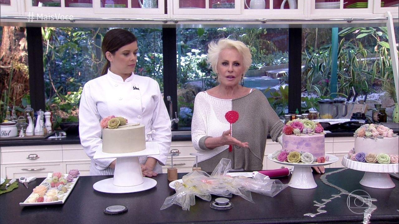 Aprenda como fazer um bolo Flower Cake