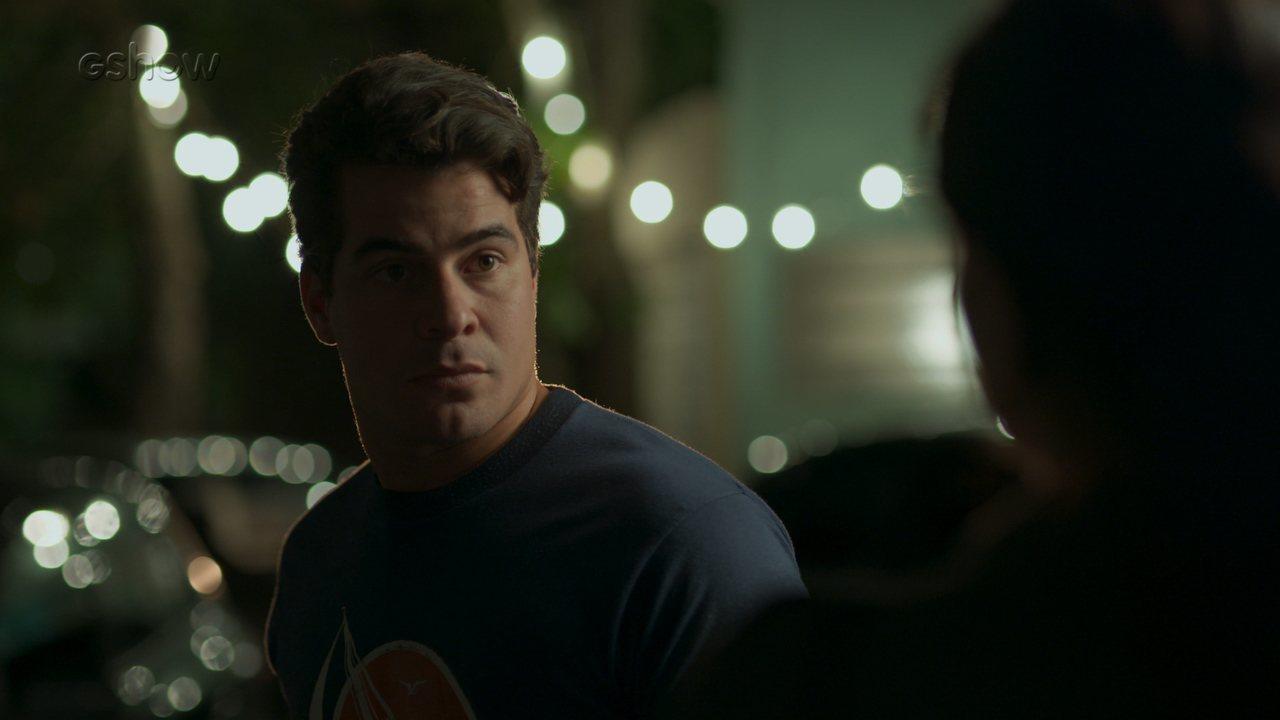 Teaser 'Pega Pega' 14/10: Antônia procura Júlio para pedir satisfações sobre Cíntia