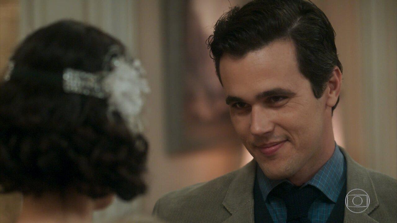 Vicente conhece Carolina