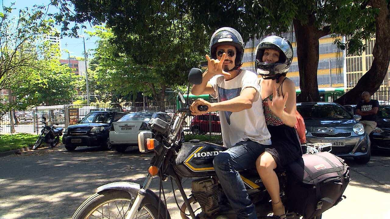 Casal viaja o Brasil disseminando a mensagem do amor