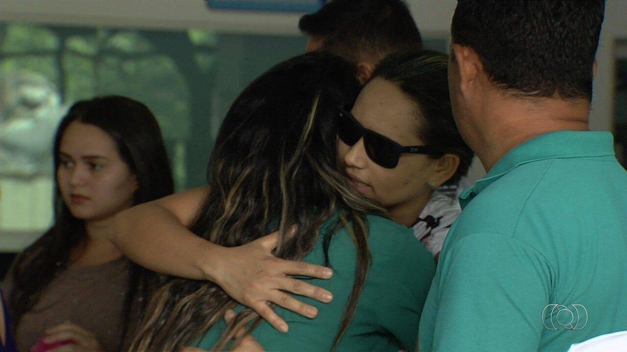 Alunos baleados por colega dentro de escola de Goiânia seguem internados