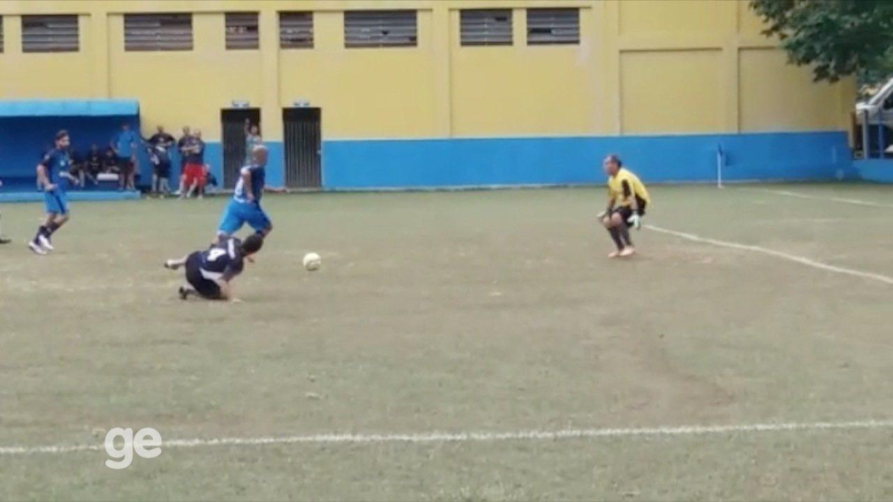 Veja três dos cinco gols da Volks no Amador acima de 40 de Taubaté