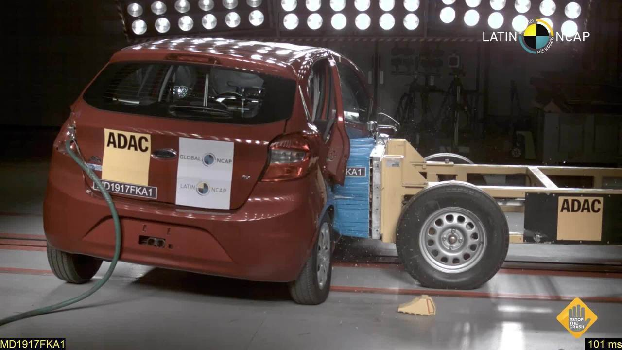 """Ford Ka """"zera"""" em teste de colisão"""