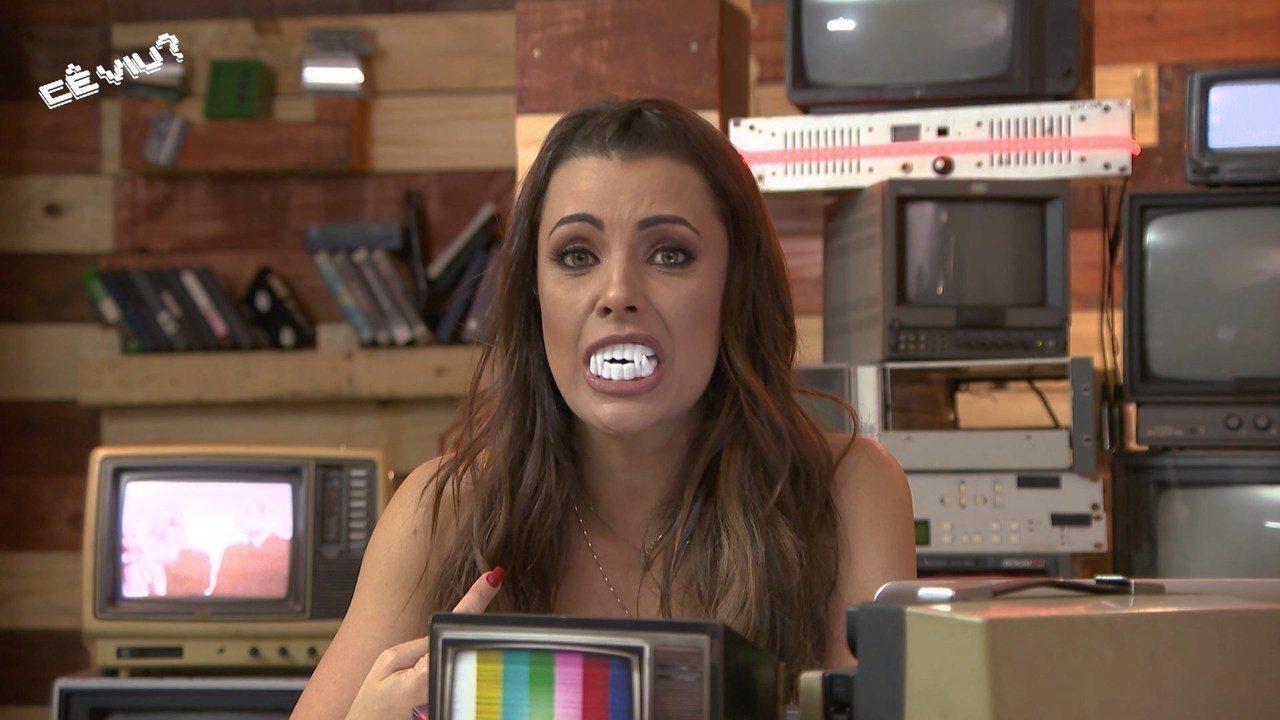 Reveja: Cecília fala de halloween e mostra vídeos de telespectadores