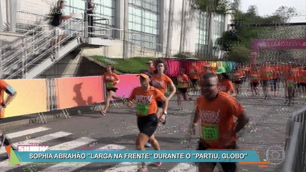 Visitantes e artistas se divertem na corrida 'Partiu, Globo'