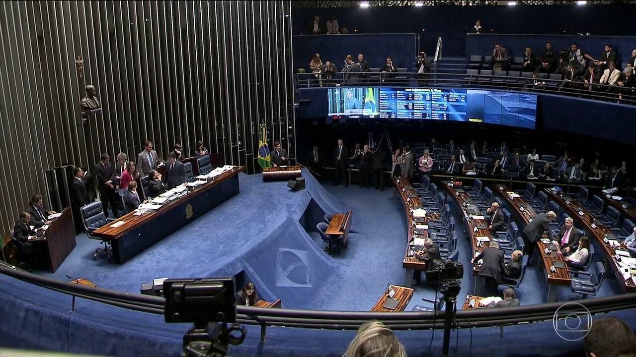 Senado mudou texto sobre aplicativos de transporte e projeto volta para análise da Câmara em 2018
