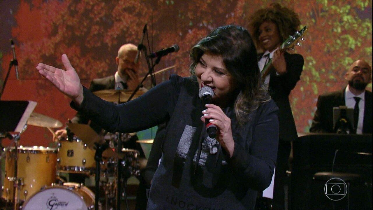 "Roberta Miranda canta ""Majestade O Sabiá"""