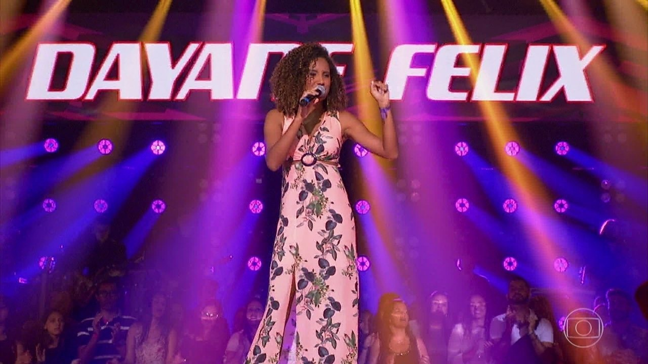 Dayane Felix, do time Brown, cantou 'O Farol', de Ramon Cruz e sucesso na voz de Ivete Sangalo