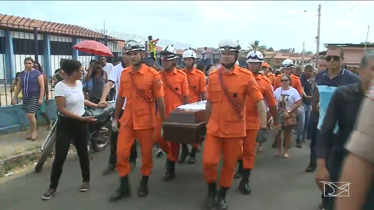 Corpo da menina encontrada morta no quintal de casa é enterrado em Paço do Lumiar