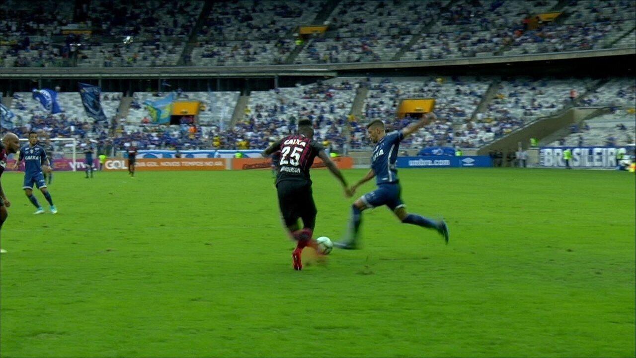 Melhores momentos de Cruzeiro 1 x 0 Atlético-PR pela 32ª rodada do  Campeonato Brasileiro 9a05a4e246f17