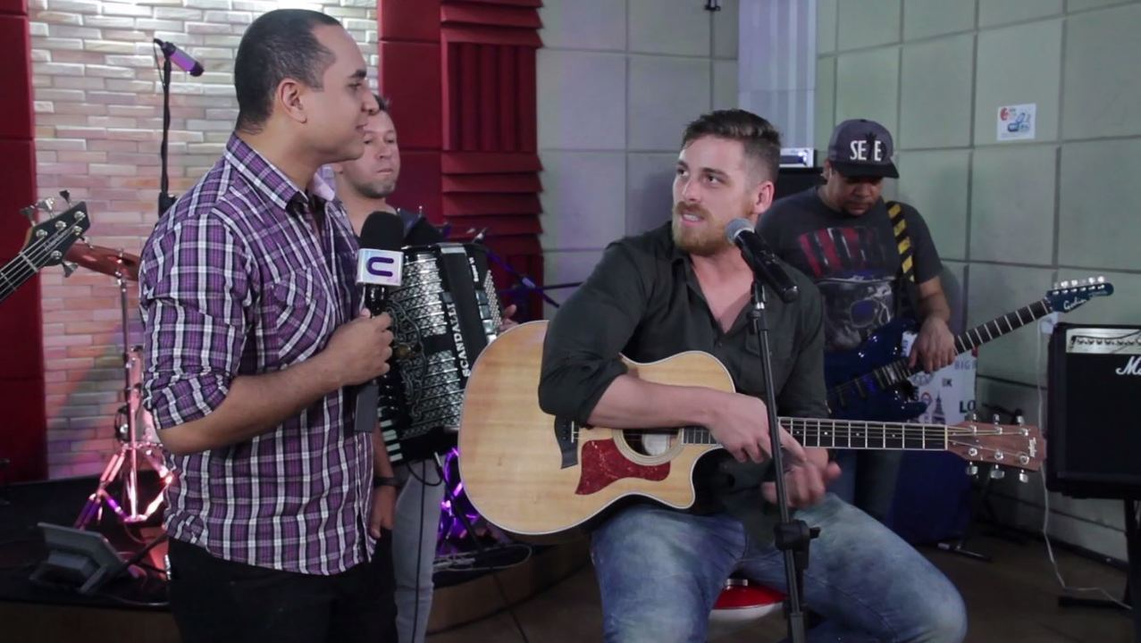 'Levando um Som' com o cantor Léo Freitas