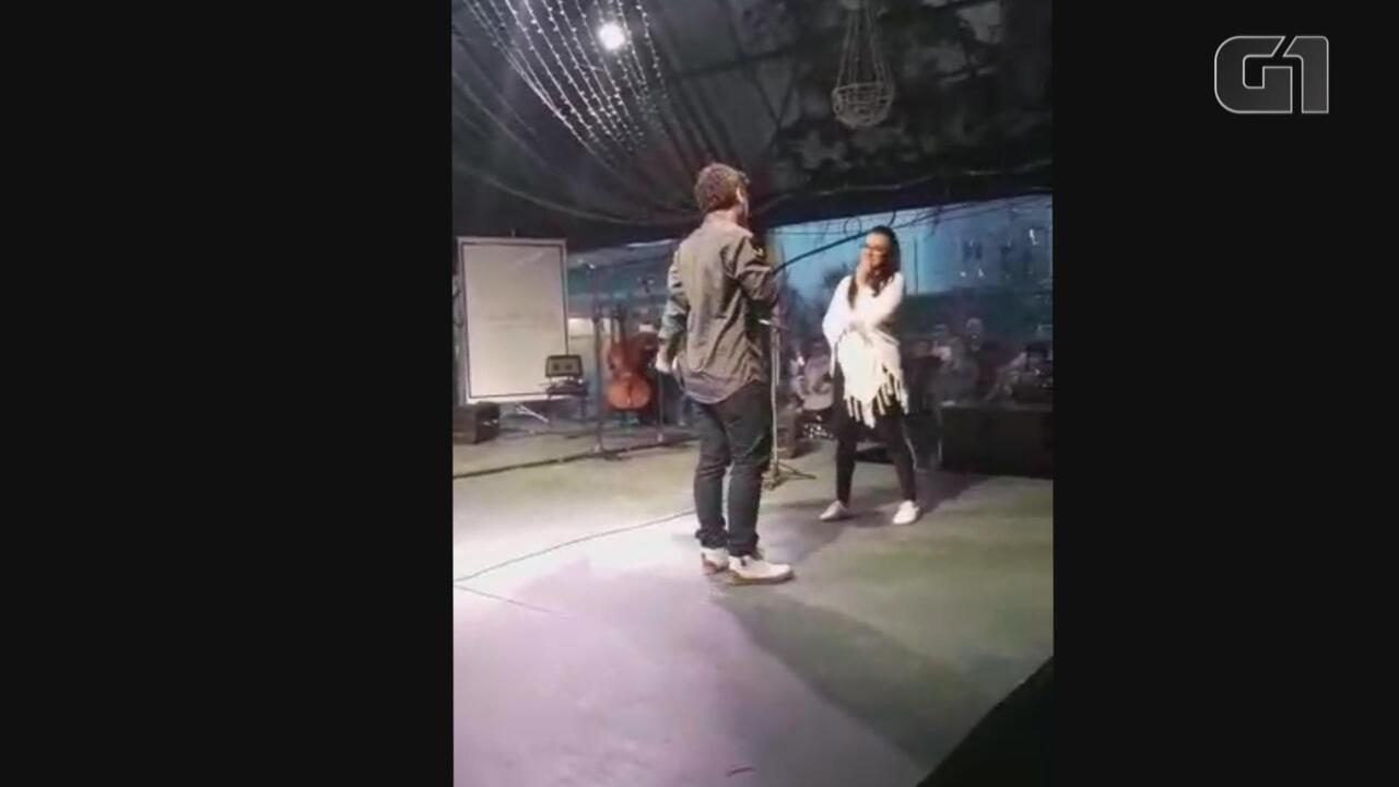 Jean pediu Andressa em casamento durante espetáculo do Natal Luz