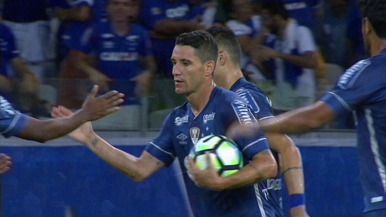 Gol do Cruzeiro! Thiago Neves pega firme na área e empata, aos 13 do 2º Tempo