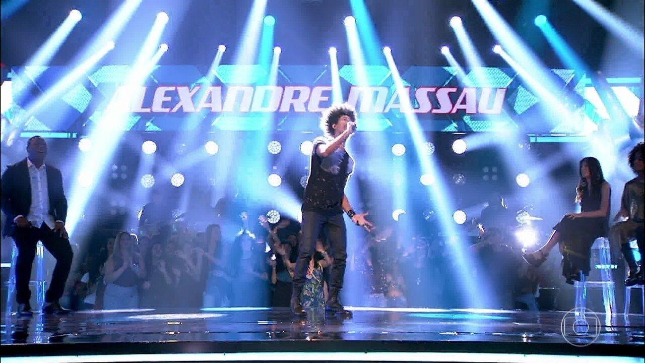 Alexandre Massau canta