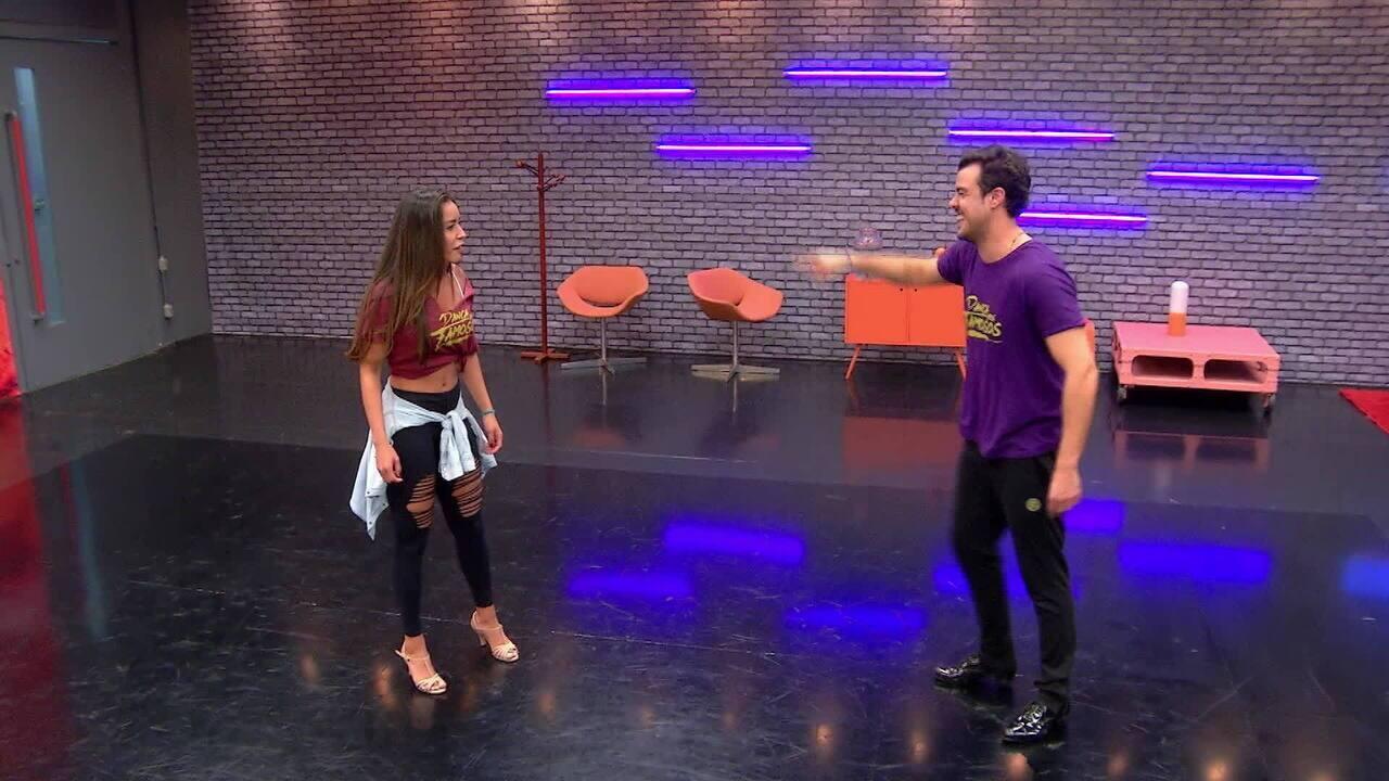 Maria Joana se divertiu durante os ensaios do 'Dança 2017'