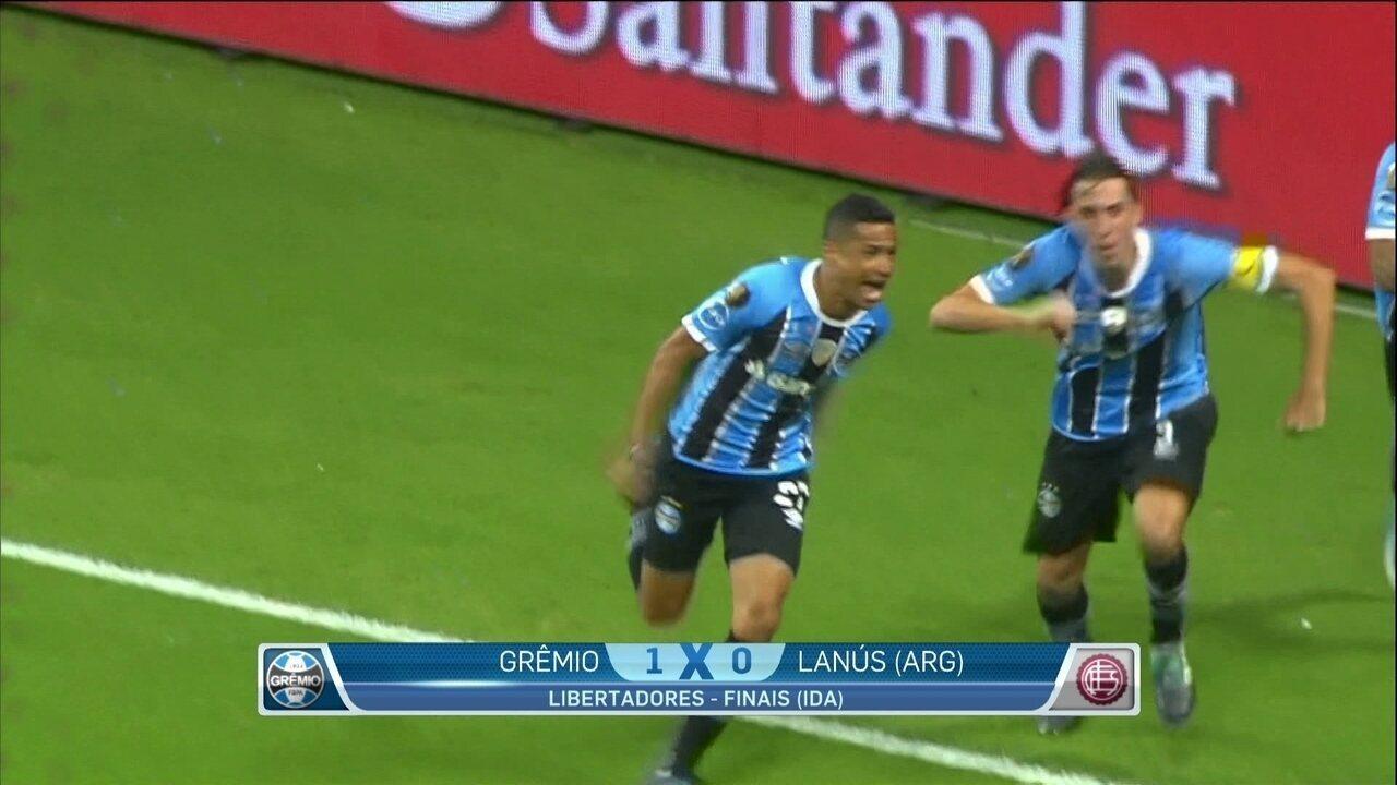 7050382f0d Grêmio vence o Lanús e leva vantagem para jogo da volta pela final da  Libertadores