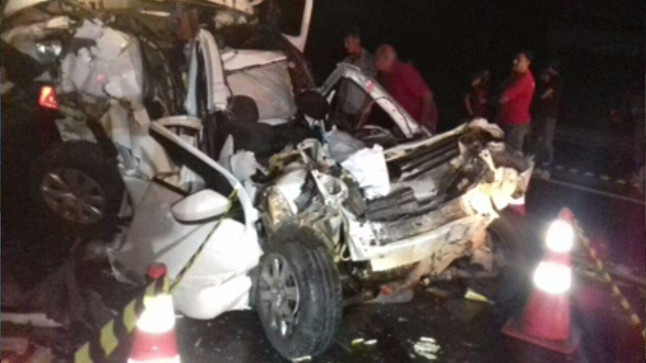 Acidente deixa dois mortos na BR-376 perto de Tibagi