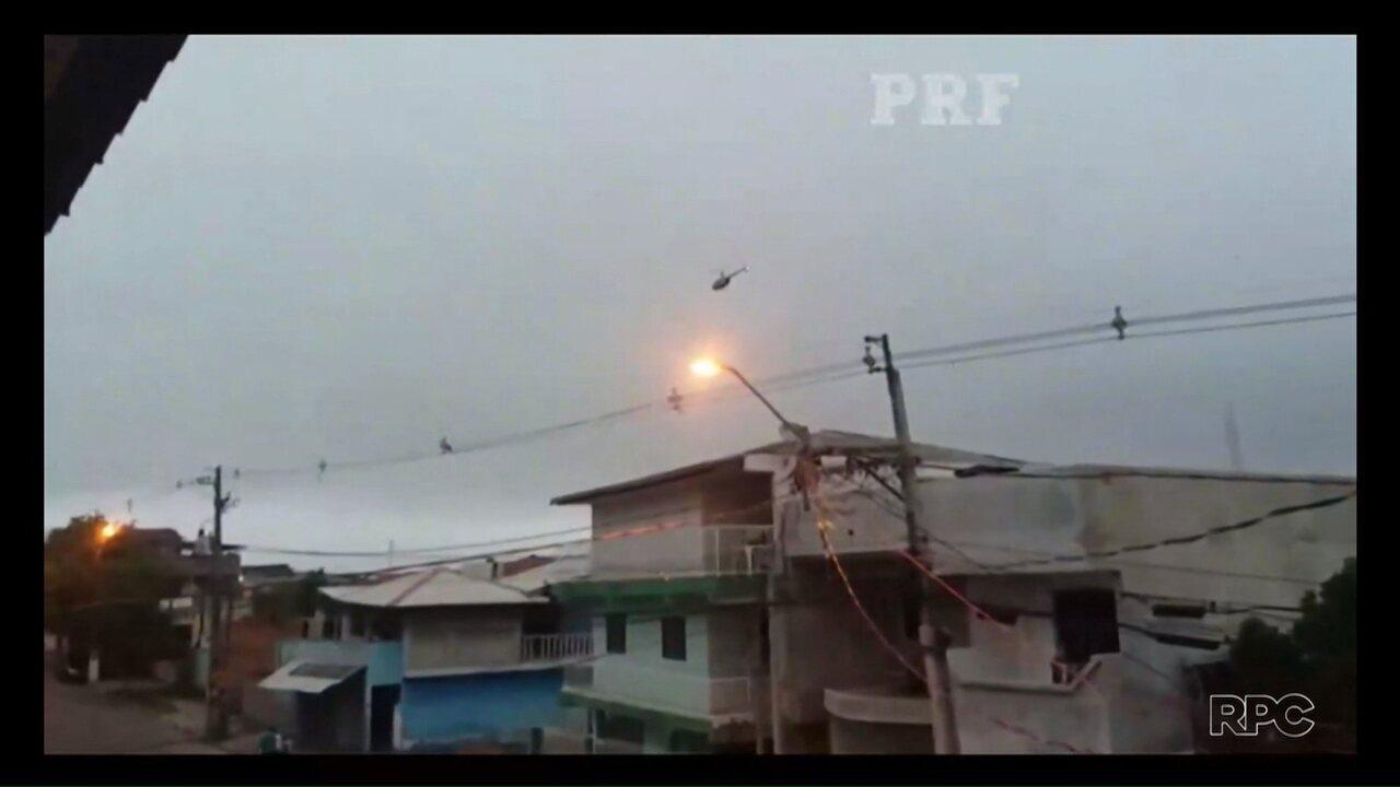 Cinco pessoas foram presas durante operação na Vila Torres em Curitiba