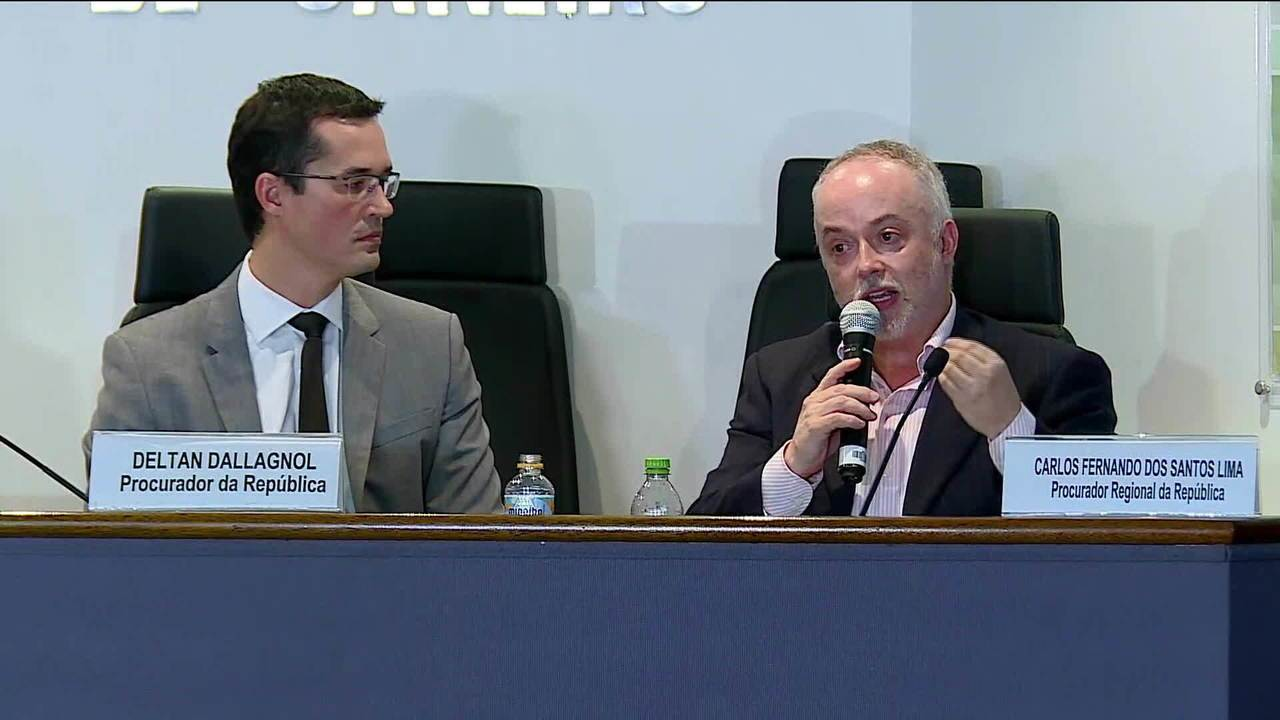 Resultado de imagem para O coordenador da força-tarefa da Lava-Jato em Curitiba, Deltan Dellagnol durante evento no Rio
