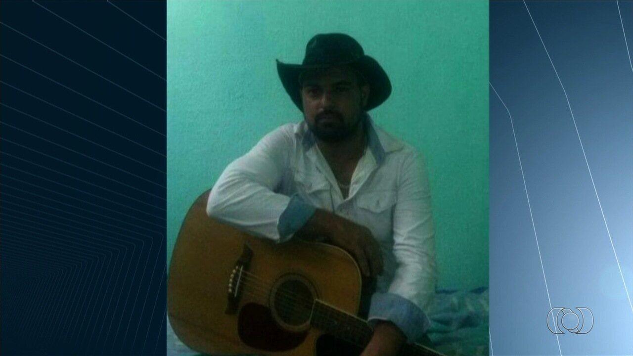 Família procura por cantor que desapareceu em Goiânia