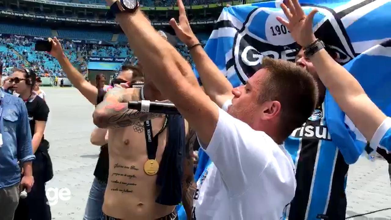 Grêmio é tri da Libertadores e torcedores de Medianeira fazem a festa