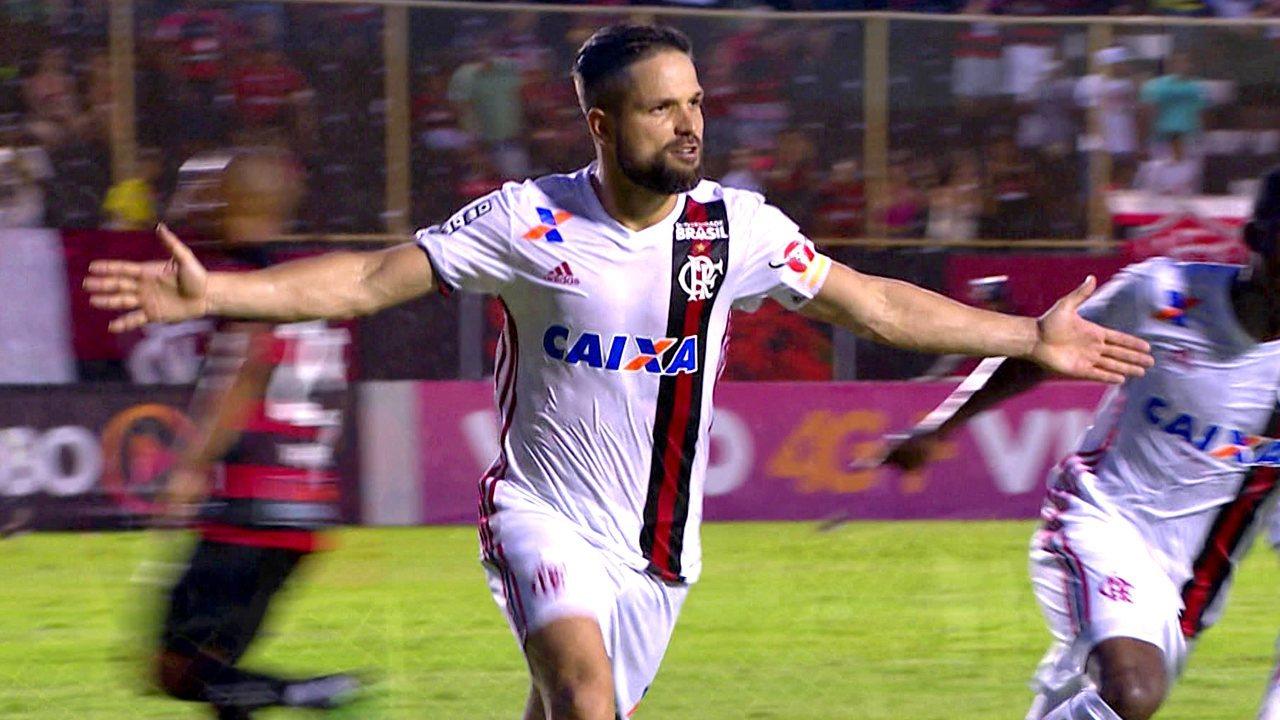 Melhores momentos  Vitória 1 x 2 Flamengo pela 38ª rodada do Brasileirão  2017 d20e614786b6d