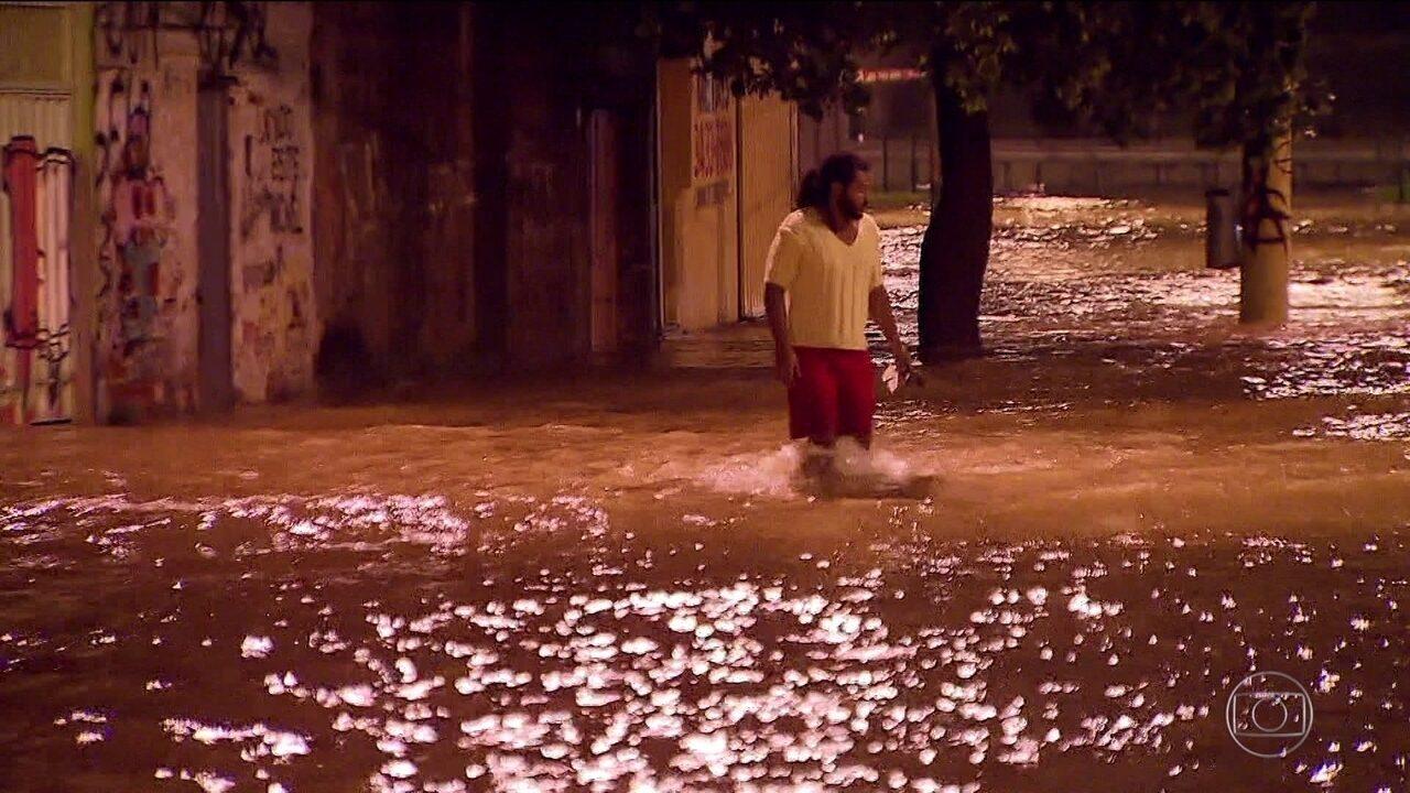 Alerta de chuva em BH é mantido, após fim de semana de estragos