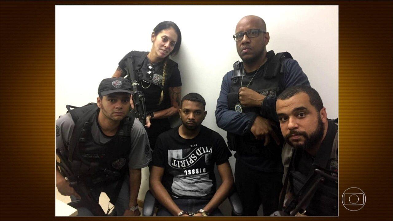 Corregedoria vai investigar conduta de policiais que fizeram selfies com traficante