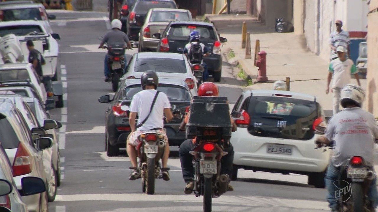 Mototaxistas continuam a operar mesmo sem regulamentação em Varginha (MG)