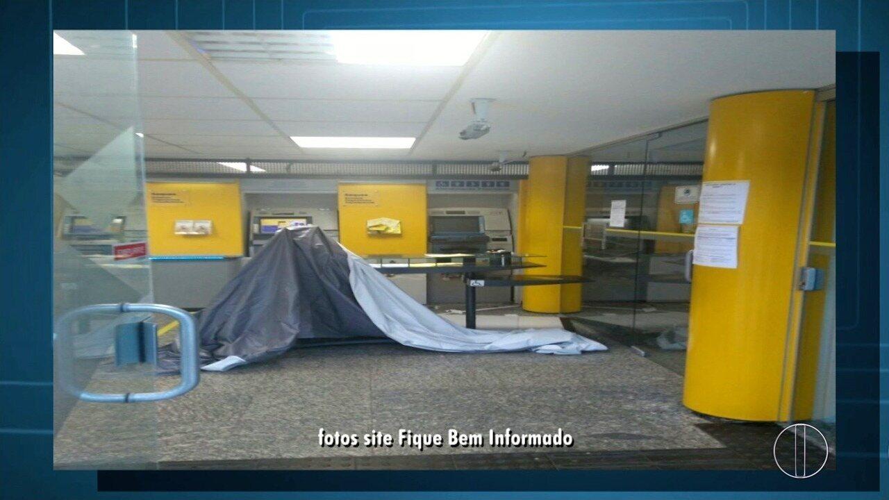 Agência do Banco do Brasil é invadida por bandidos em Búzios, no RJ