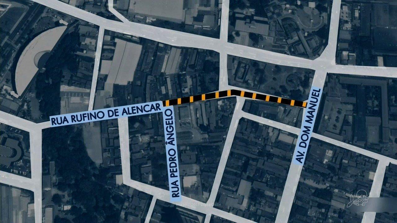 Duas ruas do Centro de Fortaleza são interditadas para obras de drenagem