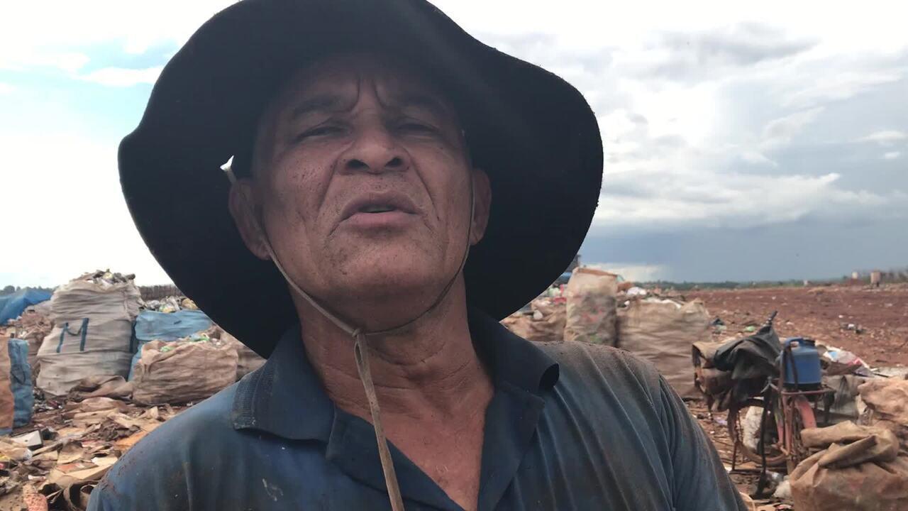 Catador Gilberto Alves fala sobre dia a dia no Lixão da Estrutural