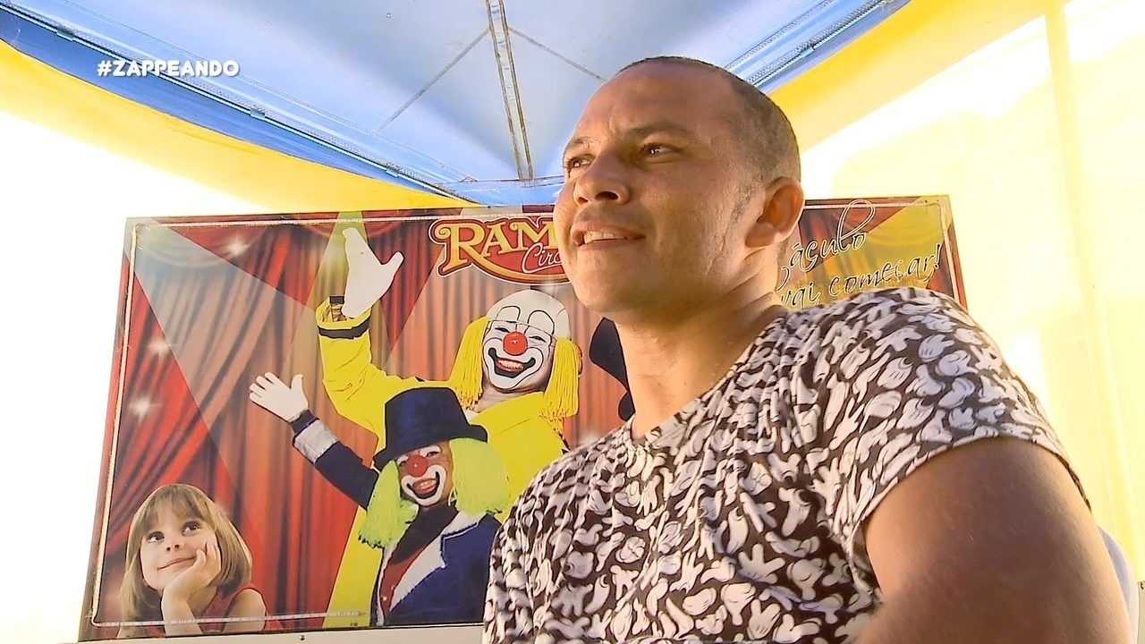Parte 1: Isa e Moa vão até um circo e mostram como é a rotina de vida dos palhaços